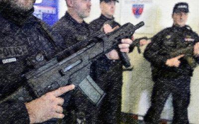 La police française se militarise : la BAC reçoit des fusils d'assaut