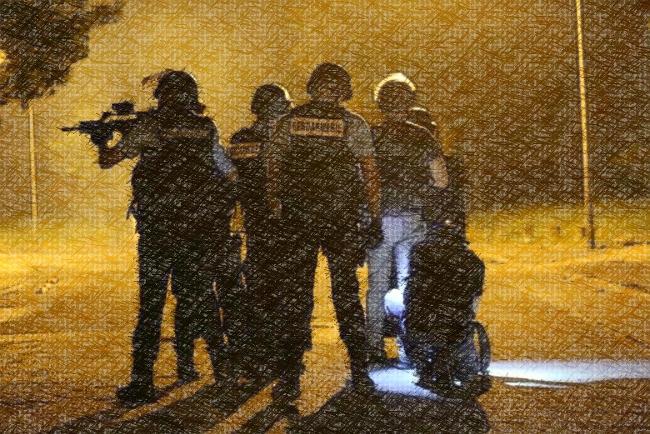 A Beaumont-sur-Oise, les gendarmes utilisent des armes de guerre pour le maintien de l'ordre
