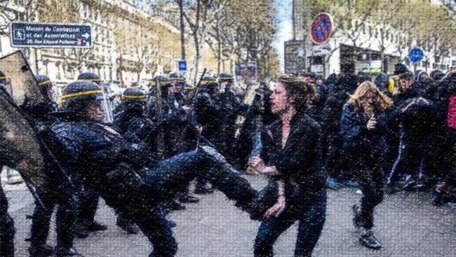 104 personnes témoignent contre les violences policières du printemps 2016