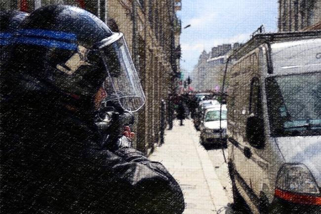 Basta – David Dufresne : « Le maintien de l'ordre à la française n'existe plus »